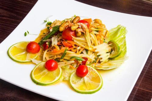 Spicy Som Tum salad